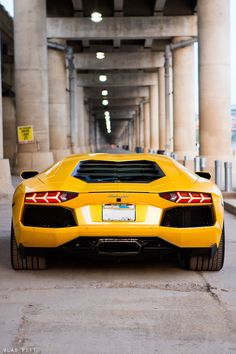 yellow Aventador looks pretty old school from back here