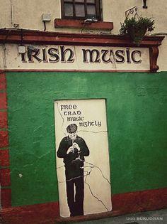 Irish Music - @Jennifer Milsaps L Milsaps L Milsaps L Robbins Bar, Galway, Ireland