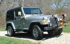 1000 images about jeeps on pinterest 2000 jeep wrangler wrangler for sale and jeep models. Black Bedroom Furniture Sets. Home Design Ideas