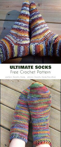 Crochet Sock Pattern Free, Easy Crochet Slippers, Crochet Slipper Pattern, Free Crochet, Crotchet Socks, Crochet Gifts, Crochet Yarn, Crochet Stitches, Crochet House