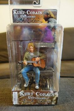 New in Box Kurt Cobain Unplugged Figure Nirvana #NECA