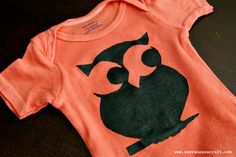 Making onesies. This girl is so creative. Check it out. GREAT gift for baby showers or to prep for any occasion.