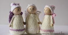 """Nem egészen egy éve kezdtem a blogommal és magával a horgolással komolyabban foglalkozni. Addig """"csak"""" hobbi szinten kreatívkodtam a horgo... Crochet Fairy, Christmas Gifts, Crochet Christmas, Hobbit, Dolls, Blog, Fairies, Amigurumi, Flower Crochet"""