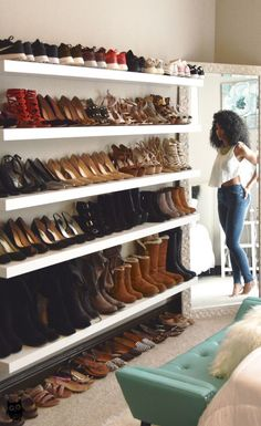 Shoe Wall Heaven: How to Build Yours White Collar Glam, mixed girl, natural curls, curly hair, wash Closet Bedroom, Bedroom Storage, Diy Bedroom, Closet Wall, Master Closet, Trendy Bedroom, Organizar Closet, Closet Shoe Storage, Shoe Closet Organization