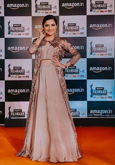 Saree Designs Party Wear, Bff Goals, Hd Photos, All Pictures, Frocks, Photography Poses, Indian, Formal Dresses, How To Wear