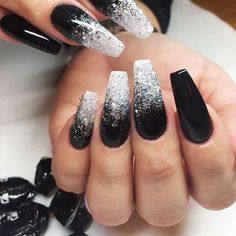 There are three kinds of fake nails which all come from the family of plastics. Acrylic nails are a liquid and powder mix. They are mixed in front of you and then they are brushed onto your nails and shaped. These nails are air dried. Black Nails With Glitter, Black Coffin Nails, Black Ombre Nails, Dark Color Nails, Black Silver Nails, Nail Black, Silver Ombre, Matte Black, Gold Glitter