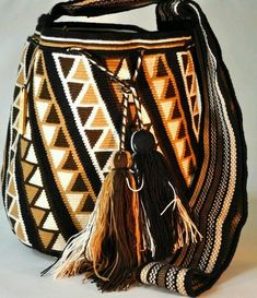 They are one of a kind от WayuuOriginal Form Crochet, Knit Or Crochet, Wiggly Crochet, Mochila Crochet, Tapestry Crochet Patterns, Tapestry Bag, Boho Bags, Crochet Purses, Knitted Bags