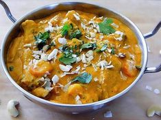 Korma is a delicious mild curry and is one of the most popular Indian curry. With its roots in Mughlai cuisine (the cooking style used between Delhi and Punjab) today's Korma is a real hit in Indian. Curry Recipes, Veggie Recipes, Indian Food Recipes, Whole Food Recipes, Cooking Recipes, Healthy Recipes, Dinner Recipes, Irish Recipes, Vegetarian Recipes Dinner