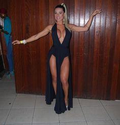 Com seios quase à mostra, Alessandra Batista é coroada na Imperador do Ipiranga | RedeTV! - Bastidores do Carnaval