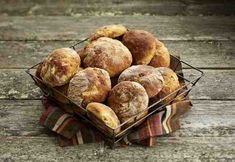 pähkinäiset-lanttusämpylät Muffin, Baking, Breakfast, Food, Morning Coffee, Bakken, Essen, Muffins, Meals