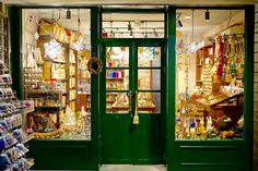 Store Fronts, Workshop, Shop Displays, Painting, Image, Atelier, Painting Art, Paintings, Painted Canvas