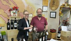 We thoroughly enjoyed tasting Pali's wines in June, so when Artisan Wine Depot invited us, we jumped at the chance. On the Saturday before Christmas the store was busy, but we were patient.  OK, no we weren't. Pali Wines Returns to Artisan Wine Dep