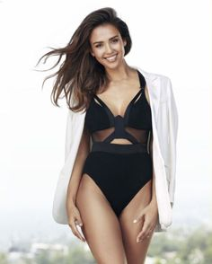 Jessica Alba is a talented artist and very popular among fans. Jessica Alba photo gallery with amazing pictures and wallpapers collection. Jessica Alba Hot, Jessica Alba Style, Sexy Bikini, Divas, Taurus, Jessica Alba Pictures, Minka Kelly, Cut Out Swimsuits, Shape Magazine
