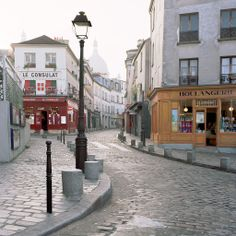 European photo of Montmartre street scene in Paris, France by Dennis Barloga | Photos of Europe: Fine Art Photographs by Dennis Barloga