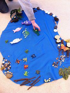 Ideas rápidas y fáciles para la creación de una pequeña escena del mundo juegan la vida rana / estanque para los niños. Gran actividad para los niños para fomentar la creatividad, la imaginación, la narración de historias y la motricidad fina.