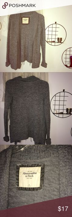 A&F cozy gray oversize sweater! have loved this sweater for years! extremely warm and true to size. hangs a bit past my hips, I am 5'6. slight pilling, as shown in pictures. Abercrombie & Fitch Sweaters
