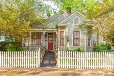 Old Houses, vintage and historic homes for sale: Fixer-uppers, time capsule and move-in ready, find your old house dream today! Join the growing OHD community of old house lovers. Victorian Homes, Victorian Era, Historic Homes For Sale, Historic Houses, Fireplace Surrounds, Old House Dreams, Queen Anne, Home And Family, Family Homes