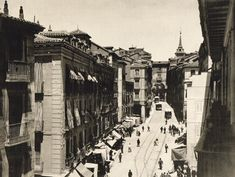 Madrid Toledo street old picture Foto Madrid, Vintage Photography, Old Pictures, Monochrome, Louvre, Street View, Europe, In This Moment, Black And White