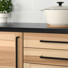 Renew your home - IKEA - BORGHAMN, Handle, The handle has a rustic, handcrafted look as it is forged from a solid iron rod and not molded. The handle feels handcrafted when you touch it because the surface is textured. Knobs And Handles, Cabinet Handles, Cabinet Doors, Door Handles, Door Knobs, Cabinet Hardware, Kitchen Knobs, Ikea Kitchen, Kitchen Handles
