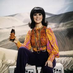 That Girl Tv Show, Marlo Thomas, Mod Fashion, Girls In Love, Ted, Tv Shows, How To Wear