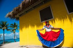 The Dominican Republic has a rich culture and you will be sure to learn a lot on your vacation getaway! Samana, August Holidays, Dreams Resorts, Costumes Around The World, Hotels, Tropical Art, Tropical Style, Dominican Republic, Best Vacations