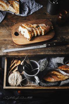 Sourdough Recipes, Bread Recipes, My Daily Bread, Spoon Bread, Dark Food Photography, Best Bread Recipe, Twist Bun, Sweet Bread, Food Styling