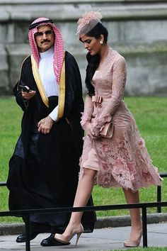 - At Members of foreign royal families including Prince Albert of Monaco and Prince Felipe and Princess Letizia of Spain arrive at the church. Here we see Princess Ameerah of Saudi Arabia. Lord Frederick Windsor, Style Royal, Wedding Carriage, Estilo Real, Royal Fashion, Fashion Dresses, Feminine, Boho, Stylish