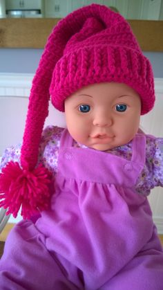 Here is a cute elf baby hat hand crocheted. It's perfect for baby's shoot props. Size fits for baby of 3 to 4 months. Baby Beanie Hats, Crochet Beanie Hat, Baby Girl Hats, Girl With Hat, Crochet Hats, Baby Hats Knitting, Knitted Hats, Baby Winter Hats, Accessoires Photo