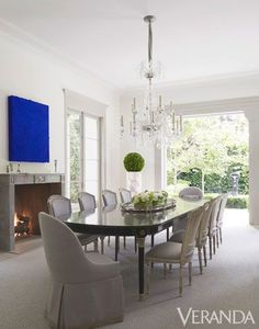 Designer Daniel Cuevas topped off this Beverly Hills dining room with an elegant tiered crystal chandelier, a Maison Jansen table from Jane J. Dining Room Design, Dining Area, Dining Table, Dining Rooms, Antique Interior, Dining Room Inspiration, California Homes, California Style, Interiores Design