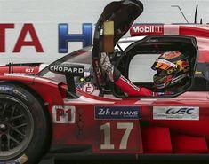 17 days to go. 24h Le Mans, Le Mans 24, Sports Car Racing, Race Cars, Helmet Design, Zoom Zoom, Motor Sport, Courses, Porsche