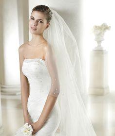 Style * SASHA * » Wedding Dresses » Dreams 2015 Collection » by San Patrick (close up)