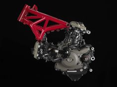 2014-Ducati-Monster-1200 engine and chassis, left