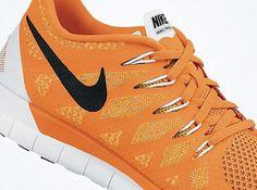 Bluza do biegania Nike DRI FIT UV MILER MENS RUNNING SHIRT black (FUN 172 404651 010) Czarny Bluzy proste Ceny i opinie Ceneo.pl