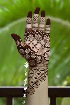 Latest Simple Mehndi Designs, Floral Henna Designs, Simple Arabic Mehndi Designs, Latest Bridal Mehndi Designs, Mehndi Designs Book, Stylish Mehndi Designs, Mehndi Designs 2018, Mehndi Designs For Beginners, Mehndi Design Pictures