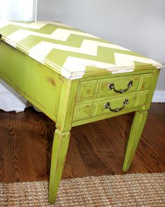 I love the chevron table top. Meg Torman Designing: DIY Vintage End Table
