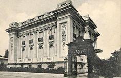 Bucuresti - Palatul Florescu, str. Henri Coanda Capital Of Romania, Palace Of The Parliament, Little Paris, Bucharest Romania, Beautiful Park, Photo Archive, Eastern Europe, Time Travel, Old Photos