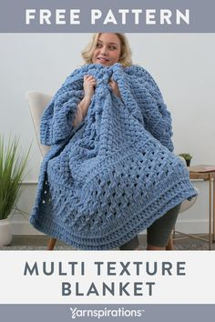 An easy crochet blanket pattern for beginners! This beautiful free crochet project is full of lace and texture. Make it in a variety of sizes to fit your DIY home decor needs, whatever they are! Quick Crochet, Chunky Crochet, Knit Or Crochet, Crochet Crafts, Crochet Baby, Free Crochet, Blanket Crochet, Finger Knitting Blankets, Knitted Blankets