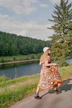 Crochet Skirts, Crochet Clothes, Knitwear Fashion, Crochet Fashion, Team Theme, College Fashion, Premium Wordpress Themes, Photoshoot Inspiration, Teen Fashion Outfits