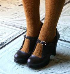 LURTON T :: SHOES :: CHIE MIHARA SHOP ONLINE Sock Shoes, Cute Shoes, Shoe Boots, Retro Shoes, Vintage Shoes, Vintage Inspired Shoes, Vetements Clothing, Vetement Fashion, Mode Vintage