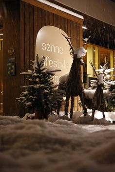 The Sonne Lifestyle Resort in Mellau in the Bregenzerwald skilfully combines tradition and modernity. Lobby, Hotel Austria, Design Hotel, Lifestyle, Sculpture, Traditional, Decoration, Building, Sun