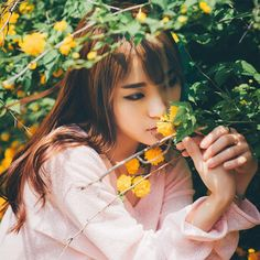 Photographs Of People, How To Pose, Radiant Skin, Ingrown Hair, Best Face Products, Beautiful Asian Girls, Ulzzang Girl, Girl Photography, Girl Pictures