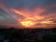 Siempre vistiendo su cielo de hermosos colores #ArmeniaCo