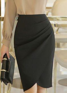 Fashion black skirt inspiration 55 Ideas for 2019 Mode Chic, Mode Style, Work Fashion, Trendy Fashion, Fashion Ideas, Classy Fashion, Office Fashion, Romantic Style Fashion, Korean Fashion