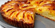 Un grand classique cette fois ... la tarte aux pommes. Ca faisait bien longtemps que je n'en avait plus fait, je fais souvent la tarte Tatin...