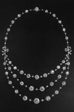 Chaumet - A Belle Epoque platinum and diamond necklace, circa 1915.