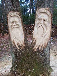 Tree Stump Sculpture Santa in tree Wood Carving Faces, Tree Carving, Wood Carving Art, Chain Saw Art, Whittling Wood, Tree Faces, Art Carved, Wood Tree, Wooden Art