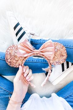 Rose Gold Minnie Ears | Disney Outfit Ideas | Disney Shirts | Disney Style | Minnie Style | Disneyland Outfits | Disney Accessories