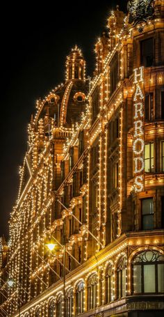 City Aesthetic, Travel Aesthetic, Paris By Night, London Dreams, London Christmas, Harrods Christmas, England Christmas, London Winter, Beautiful London