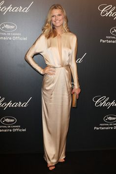 Best Dressed: So Chic. Toni Garrn frosted cream dress at the Chopard party during Cannes Film Festival Toni Garrn, Hollywood Fashion, Khloe Kardashian, Celebrity Red Carpet, Celebrity Style, Cannes Film Festival 2015, Cannes 2015, Vestido Multicolor, Fashion Models