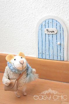 DIY: como hacer una puertecita para el ratoncito Perez reciclando una bandeja de poliespan